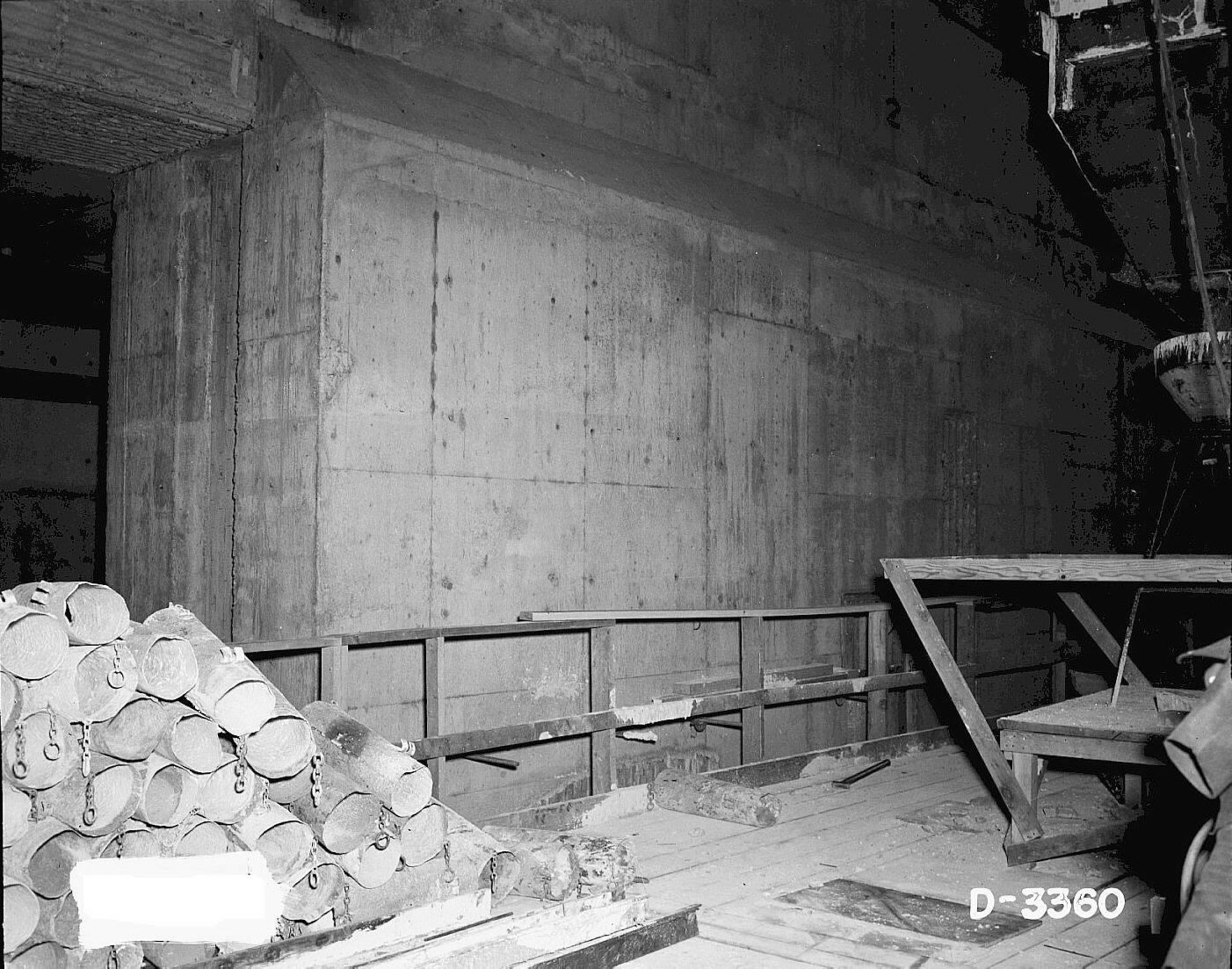 ... 221 T Canyon Under Construction Thick Walls (293031 Bytes)